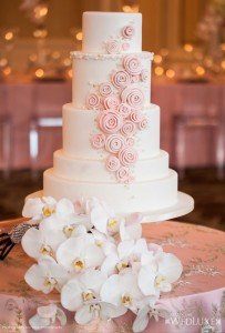 Light-Pink-Wedding-Cake